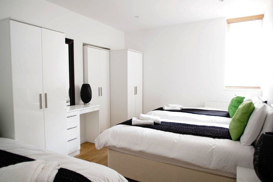 Byng place apartments five bedroom apartments for eight for Five bedroom apartments